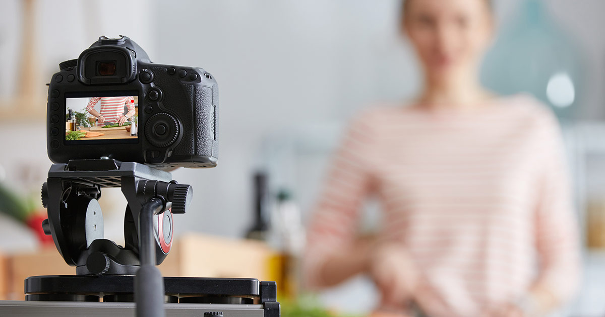 5 live streaming lessons from iconic brands: how top brands are using live streaming effectively (+setups!) image