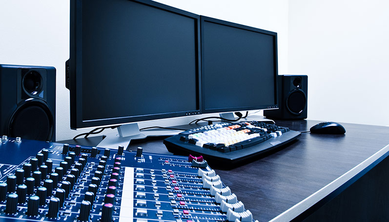 Essential audio equipment for your video and live streaming kit image